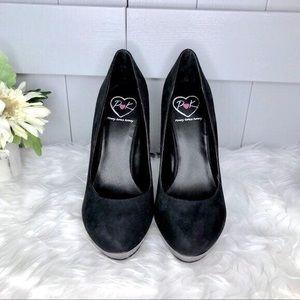 Penny Loves Kenny Black Suede Heels Size 8